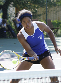 Doubles Teams Shine as Blue Tennis Competes at Bowdoin