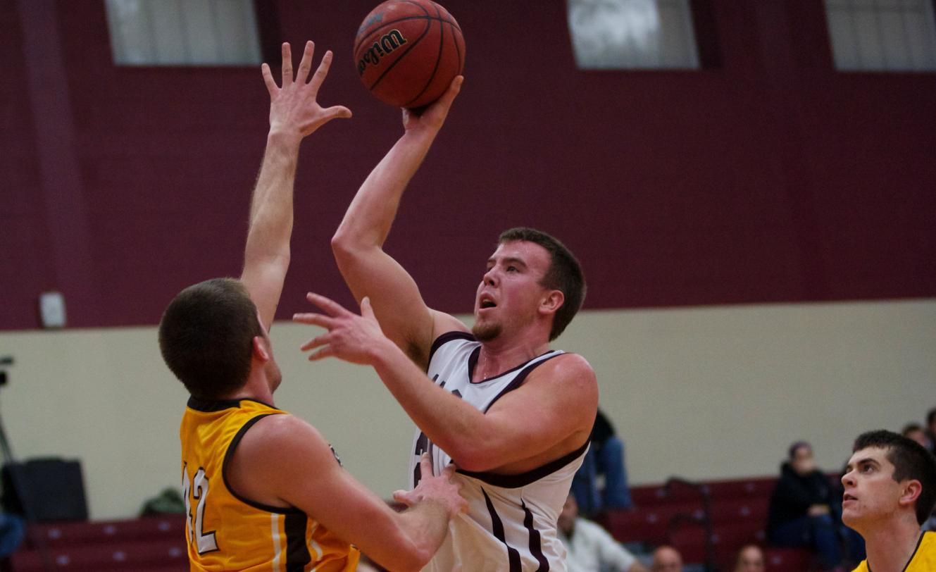 Scots Men's Hoops wins exciting contest against visiting Baldwin Wallace on Saturday, 75-73
