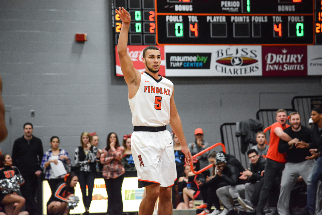 Oilers Charge Past Hillsdale, Win 88-74