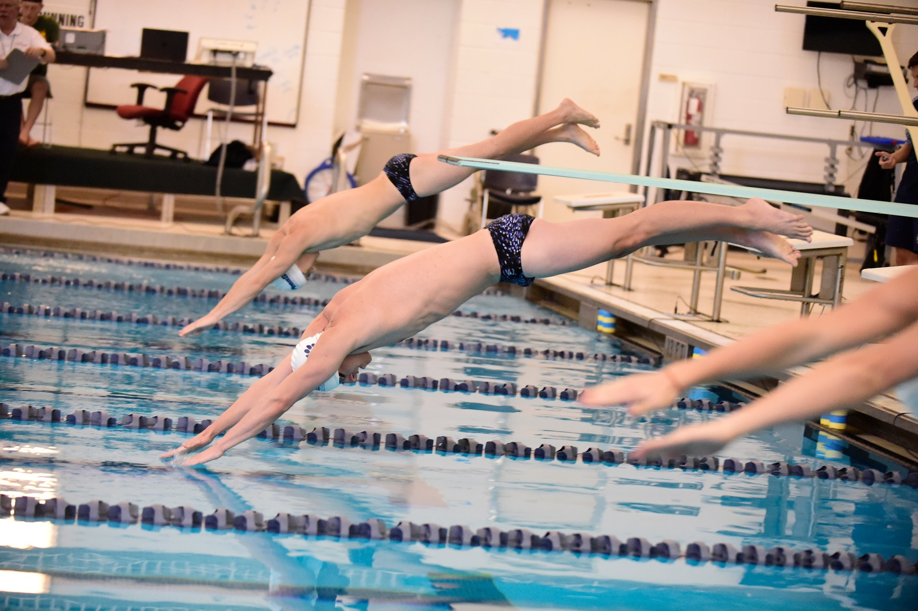 Swimming and Diving Win Opening 800 Free Relay at AMCC Championships