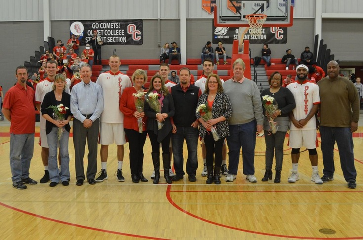 Men's basketball team loses close Senior Night game to Albion, 89-84