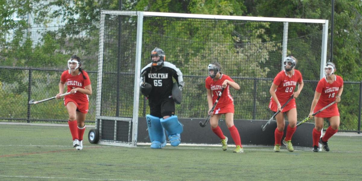 Field Hockey Drops NESCAC Match-Up with Middlebury 3-0