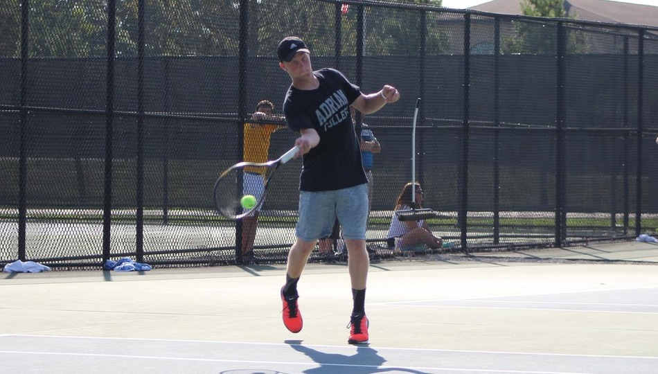 Men's Tennis Comes Back to Beat Holy Cross For First Win of Fall