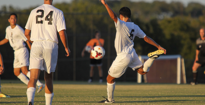 Men's soccer completes weekend sweep