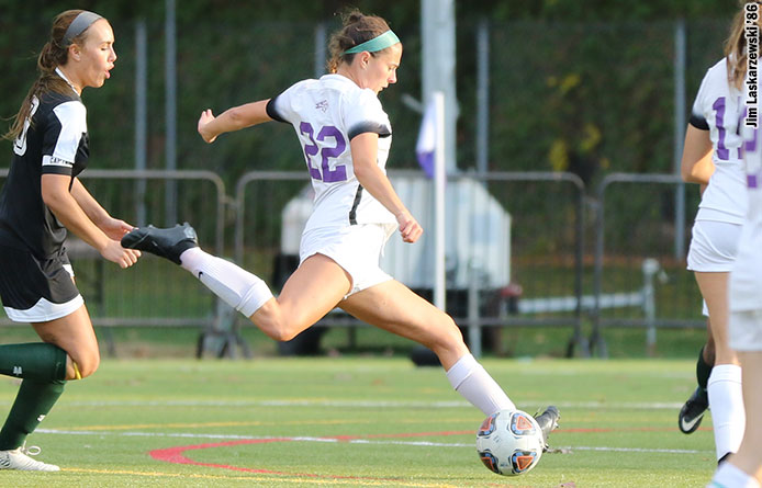 Roberge Tallies in 53rd Minute to Send Women's Soccer Past Le Moyne, 1-0
