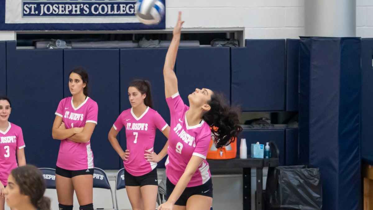 Three Double-Doubles Lead Women's Volleyball Past Old Westbury in Five Sets