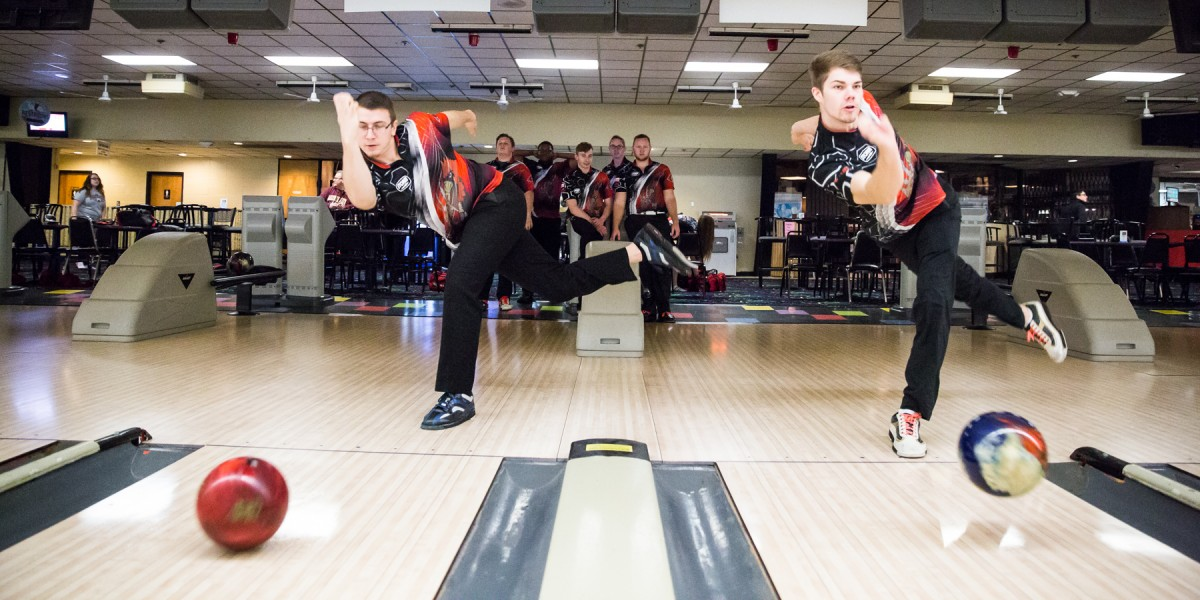 Photo for Men's bowling goes down fighting in WHAC Championship