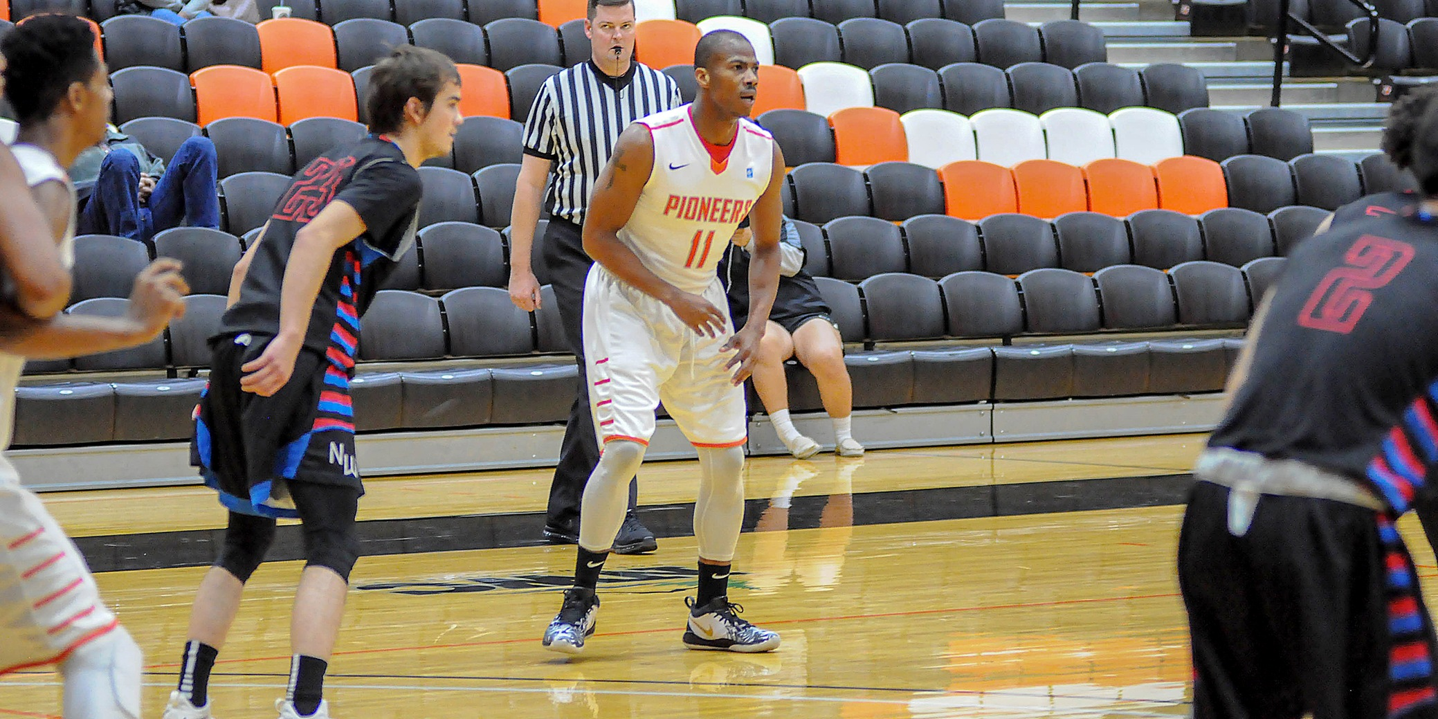 Pioneers send off senior Jonathan Smith with blowout win