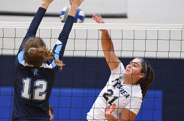 Women's Volleyball: Racevicius, Rivier outlast Eastern Nazarene, 3-1