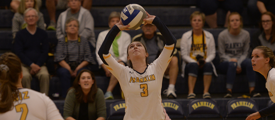 RECAP | Volleyball Snaps Three-Game Skid with Thrilling Five-Set Win