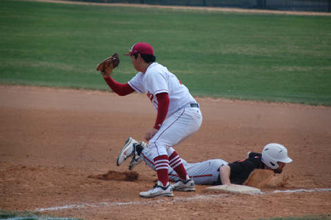 'Roo Baseball Splits with Southwestern