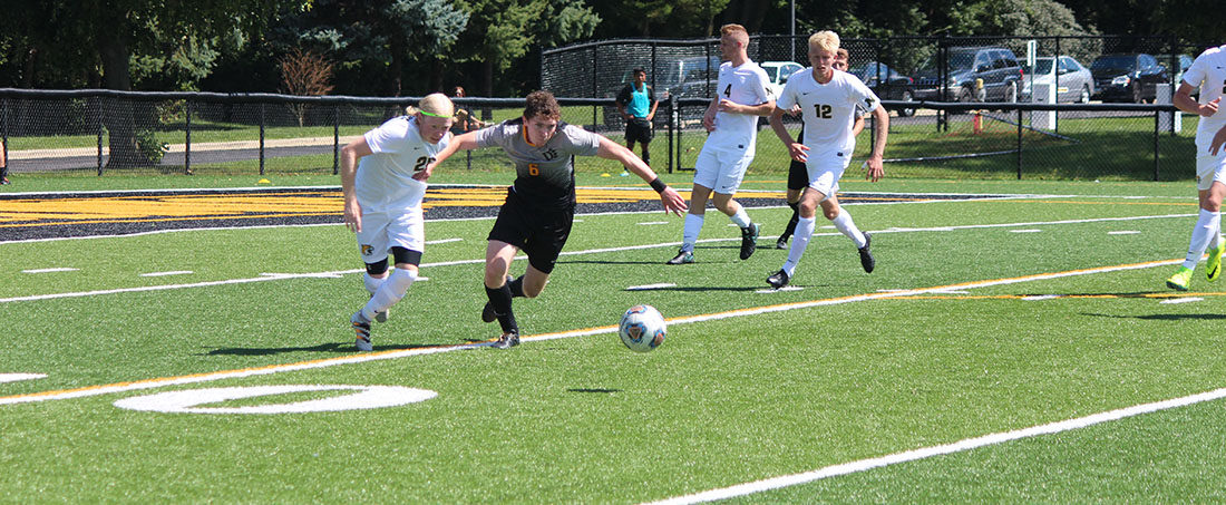 Men's Soccer Drops Match At No. 11 Northwood, 4-0