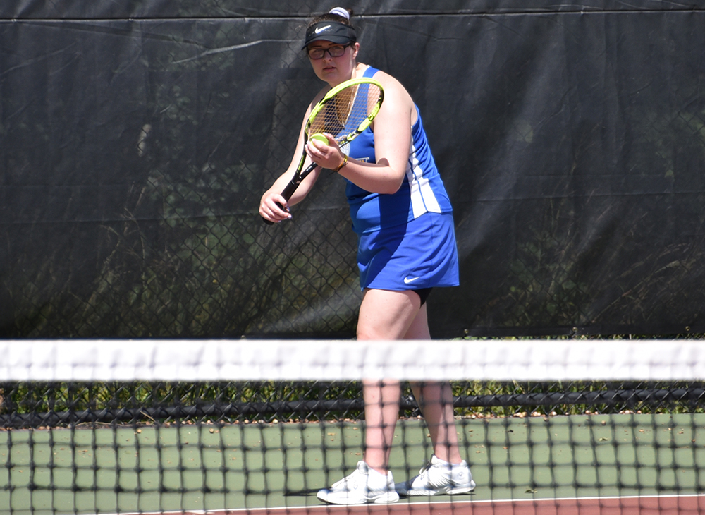 Women's Tennis Overwhelmed by Roger Williams