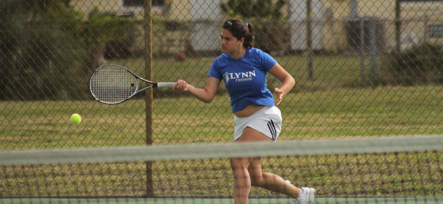 No. 6 Women's Tennis Sinks the 38th-Ranked Tars