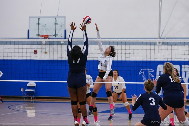 Alexia Torres posts one of her three kills against El Camino