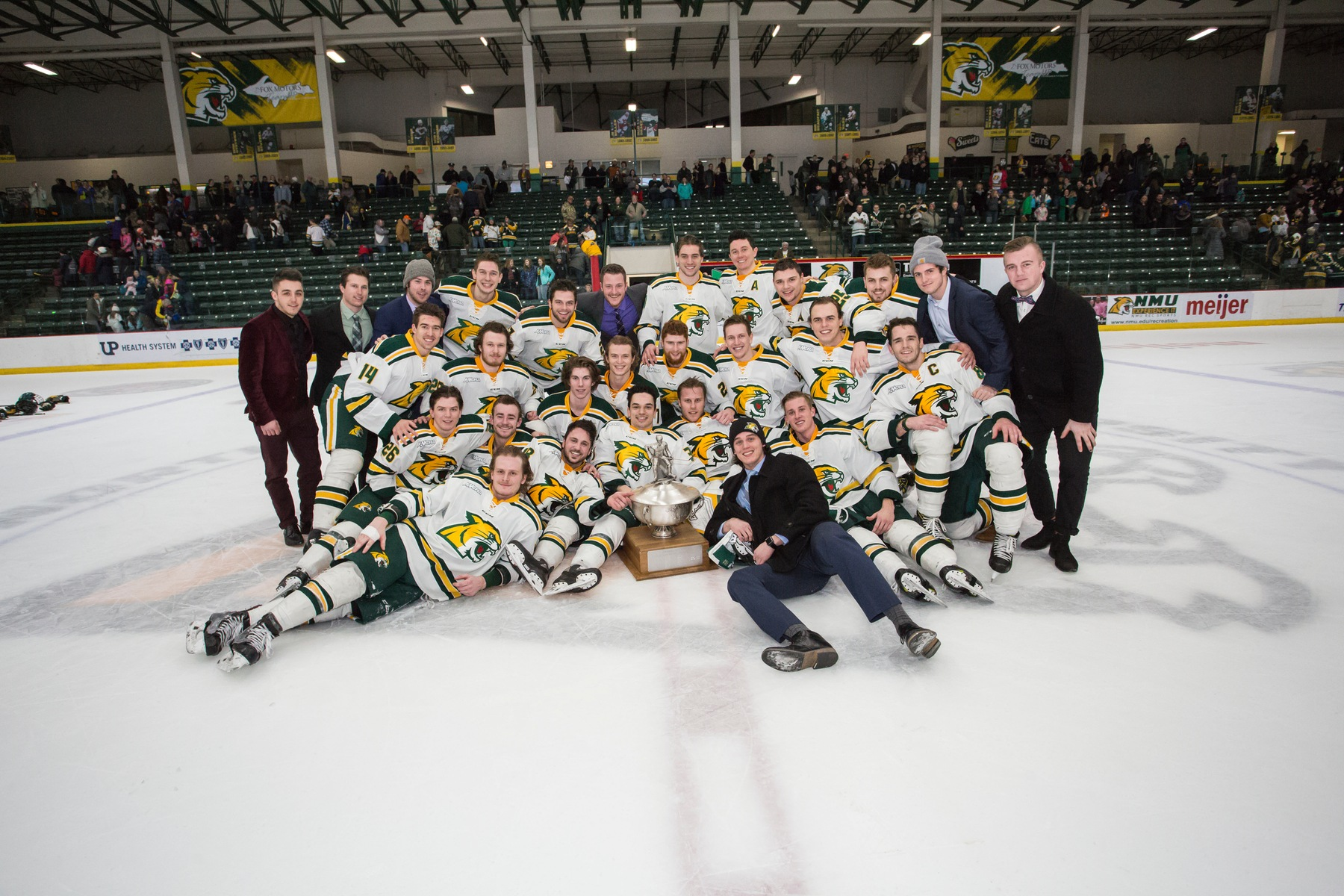 Wildcats Claim Cappo Cup With 5-3 Victory to Sweep #18 LSSU