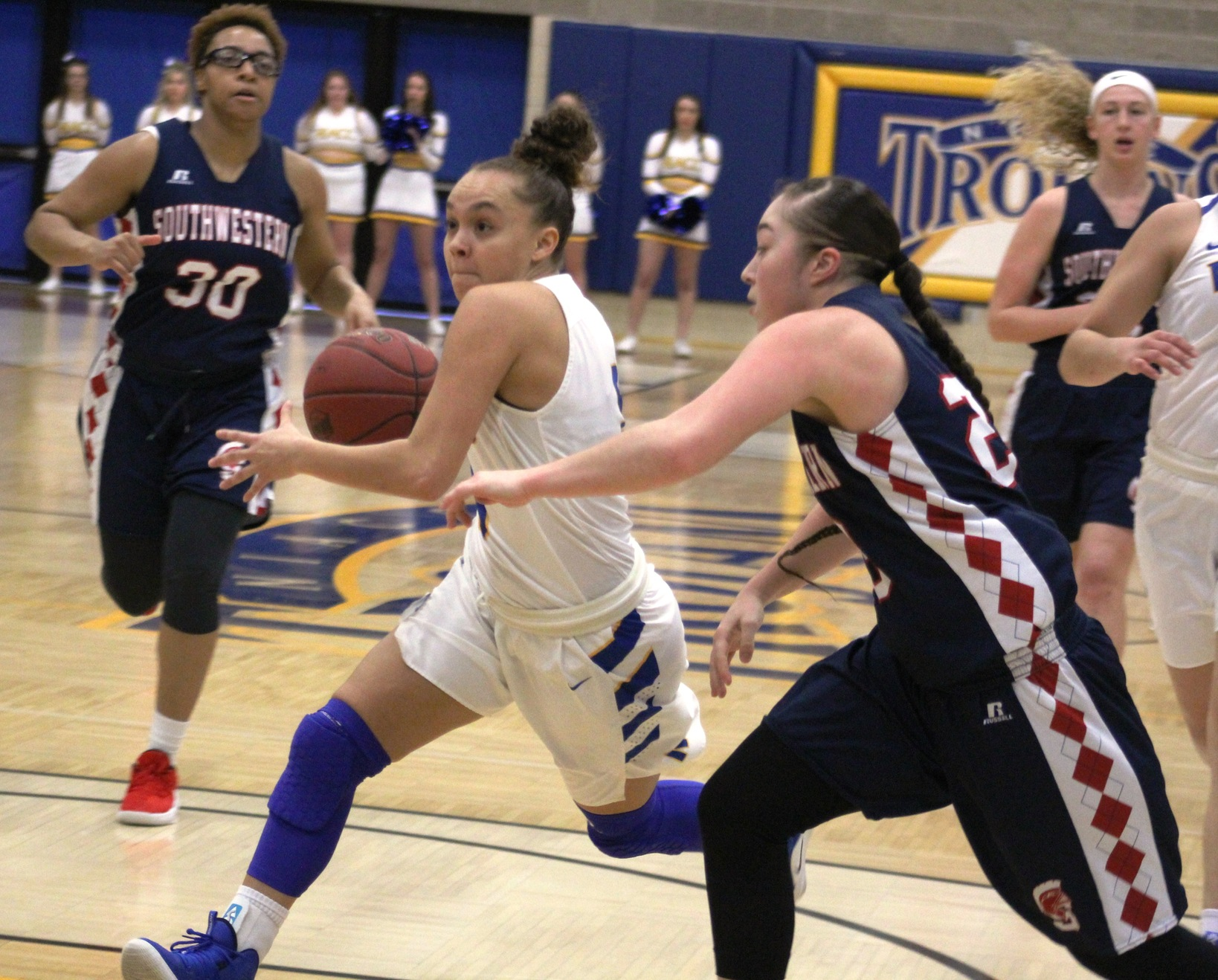 NIACC's Kelcie Hale drives to the basket during Saturday's win over SWCC.