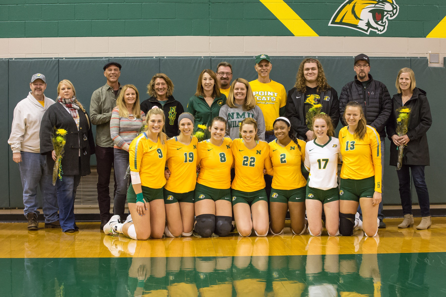 Volleyball Defeats LSSU on Senior Day