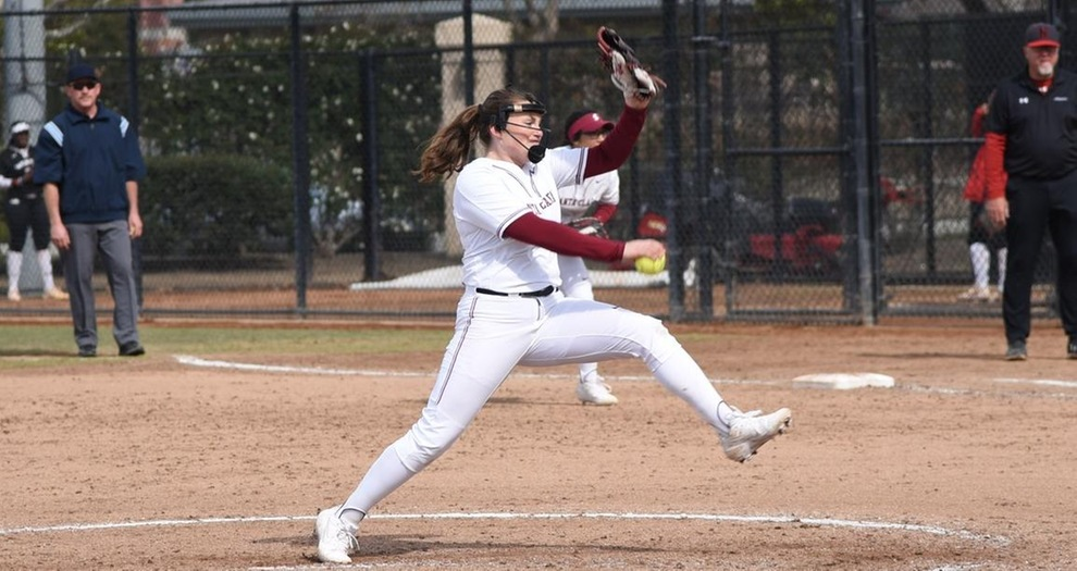 Softball Swept by UC Riverside in Doubleheader
