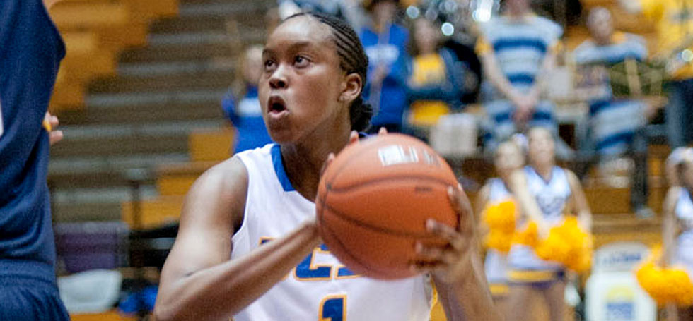 Getting Back to Work : UCSB women's basketball team begins new era with first practices under Mitchell