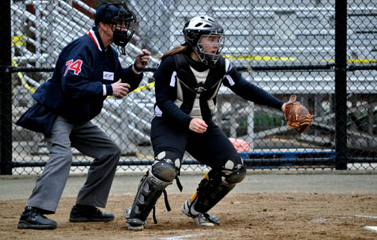 Softball Rallies to Defeat Emmanuel, 3-2