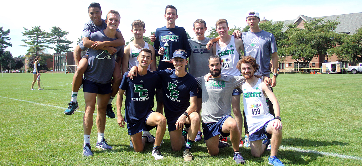 "Men's Cross Country Shines In ""Battle Of The North Shore"" Meet"
