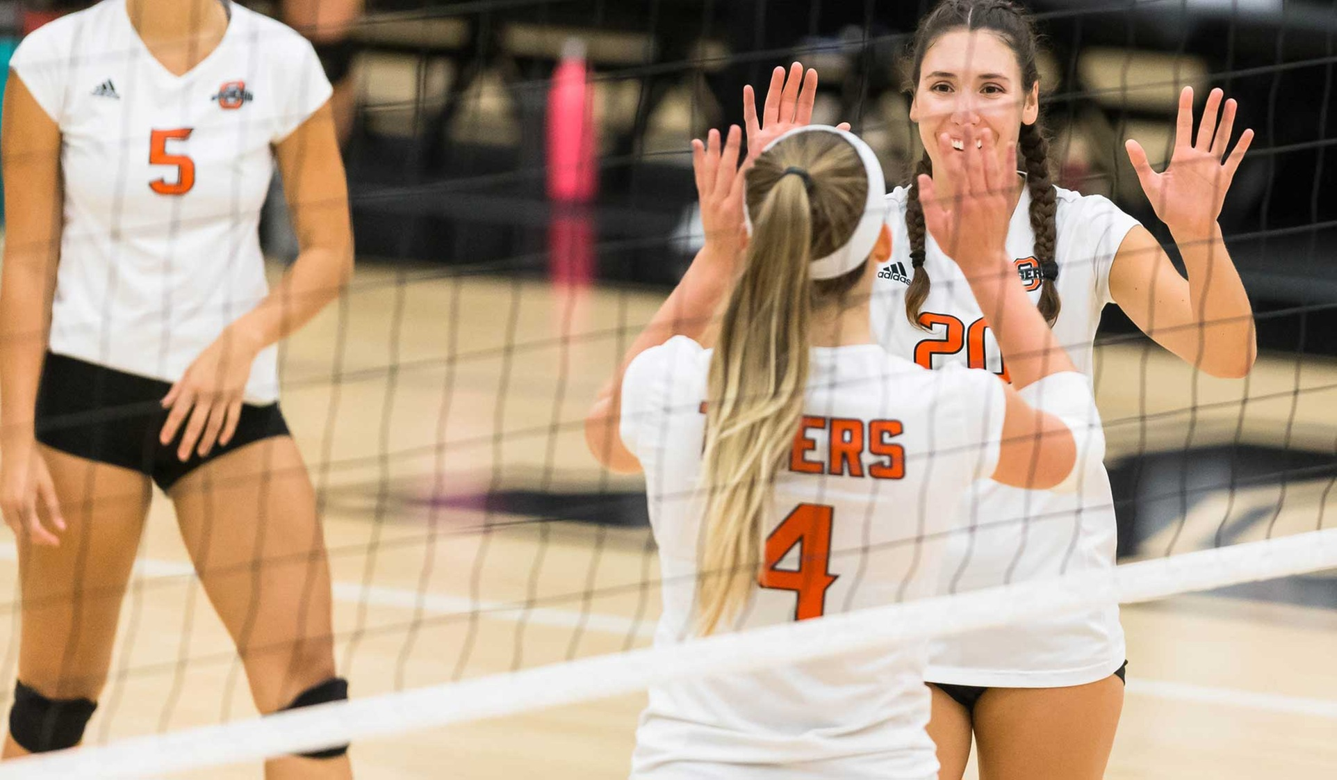 Oxy Volleyball Sweeps at St. Katherine
