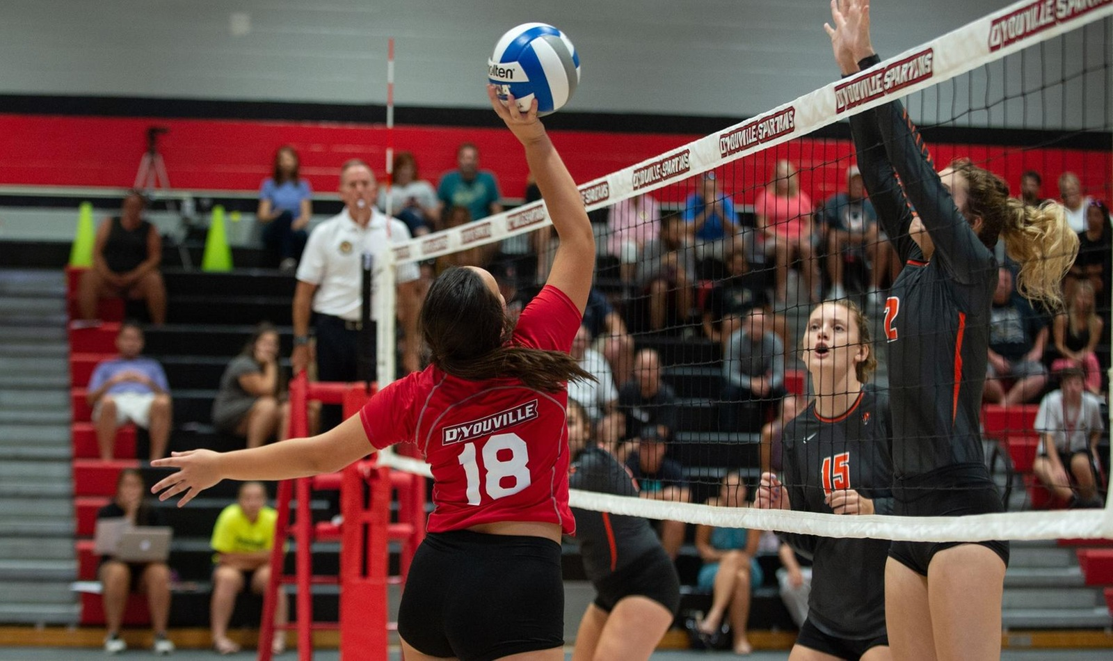 Women's Volleyball Suffers Loss to St. John Fisher