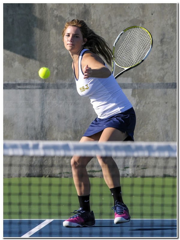 Lions' women's tennis team goes to 2-0 on the season