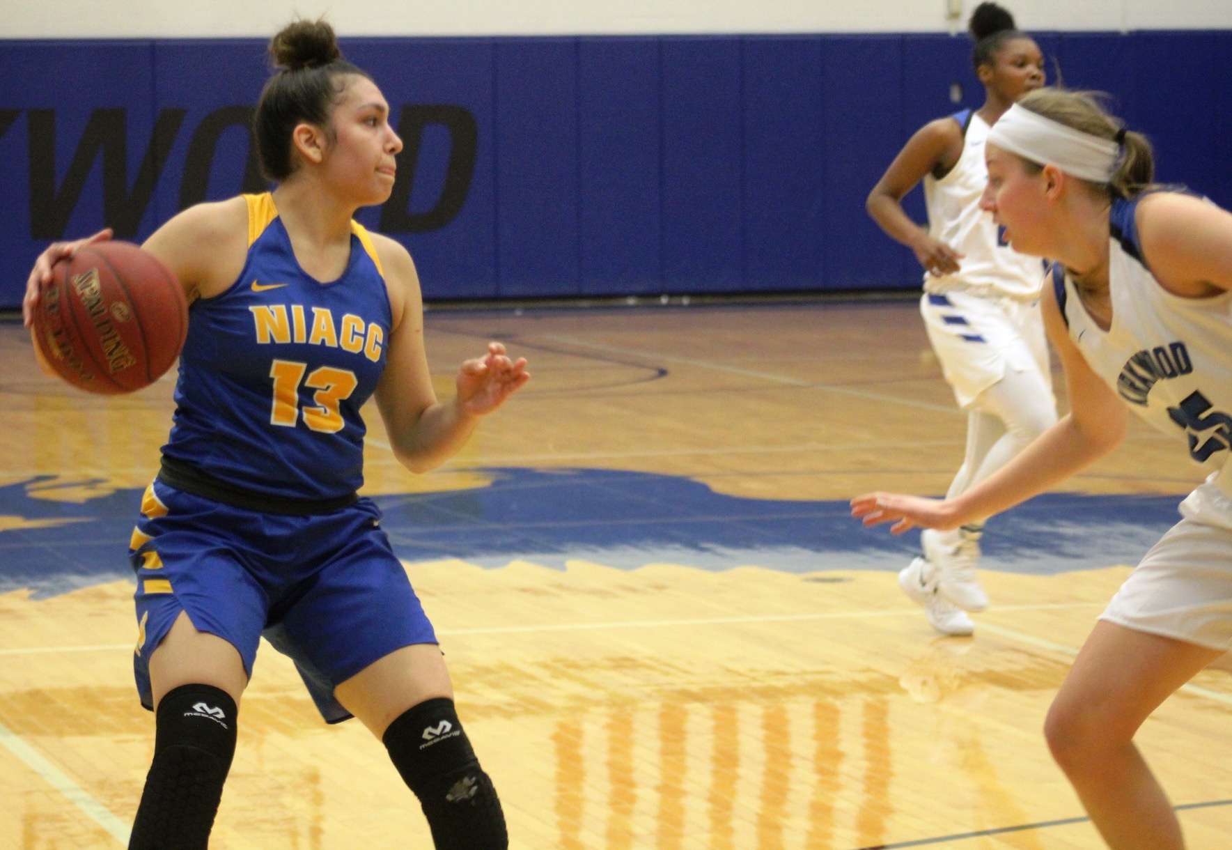 NIACC's Autam Mendez looks to pass the ball in last Saturday's game at Kirkwood.