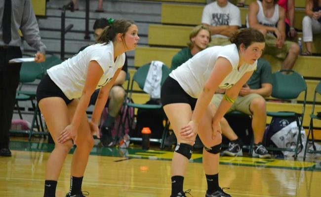 Women's Volleyball Falls at Home to RIT