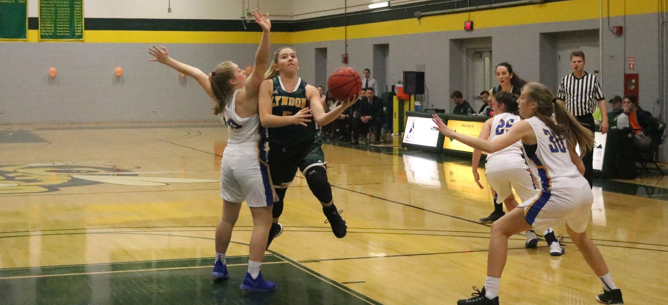 Hornet women down Thomas in defensive struggle