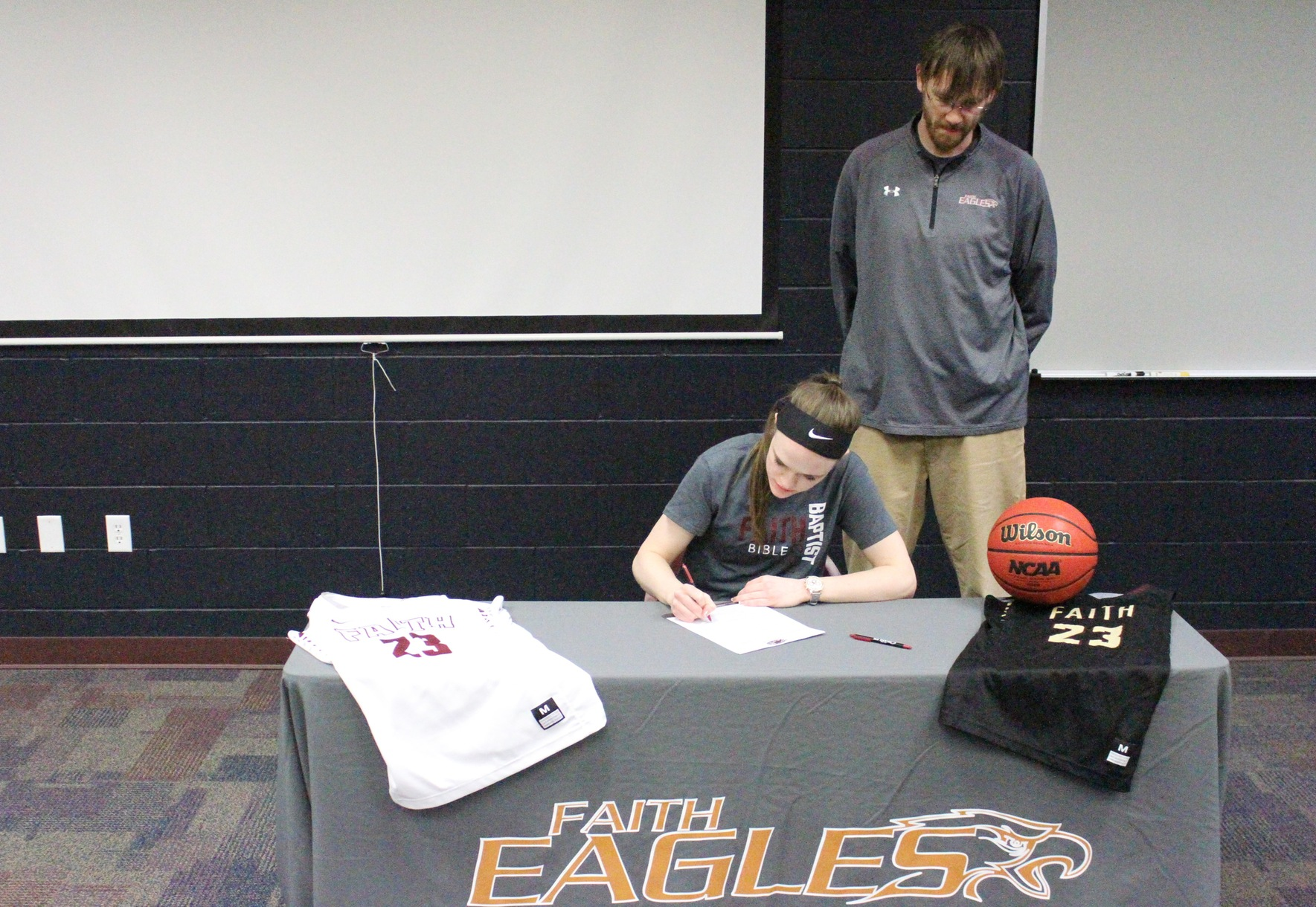 Gamboe Commits to Eagles