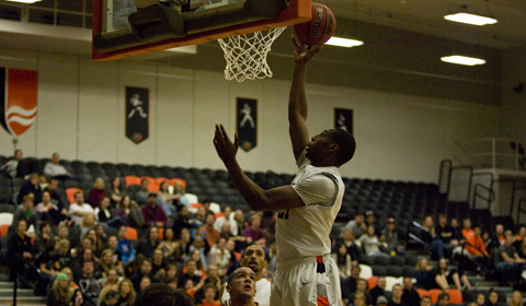 Strong Second Half Pushes Men's Basketball Past Willamette
