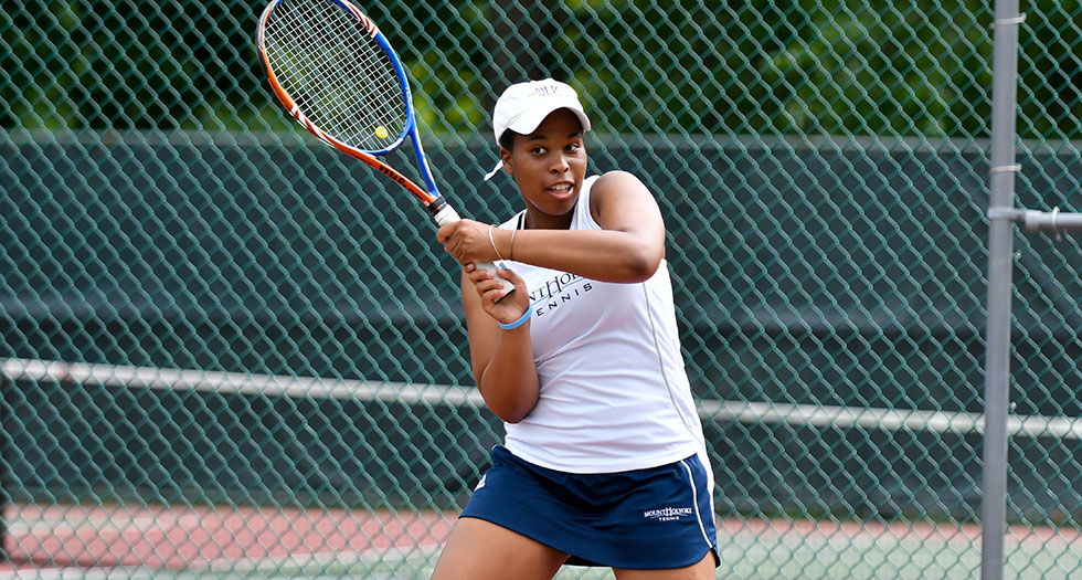 Tennis Defeats Wheaton, 7-2 in NEWMAC Opener