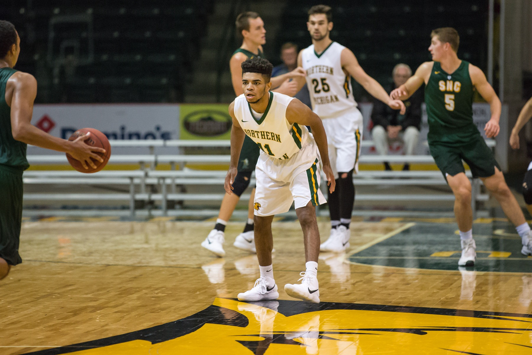 Men's Basketball Hosts GLIAC Foes; Hall of Fame's Gene Summers Appreciation Day Saturday