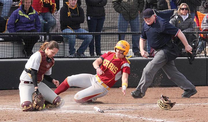 Ferris State Softball Runs Winning Streak To Six-Straight With Sweep