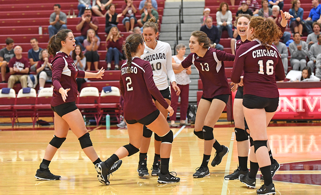 Maroon Volleyball Splits on Final Day; Tops Host Wisconsin Eau-Claire