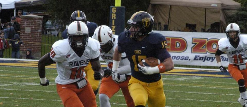 Football Extends HCAC Winning Streak to 30 Games with 67-7 Victory over Anderson