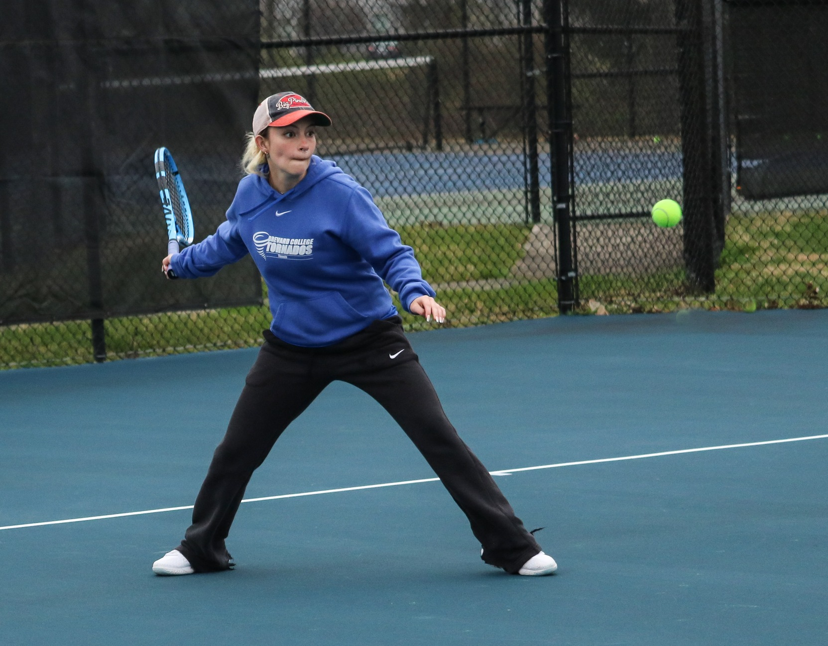 Women's Tennis Continues Win Streak with 7-2 Win Against the Royals