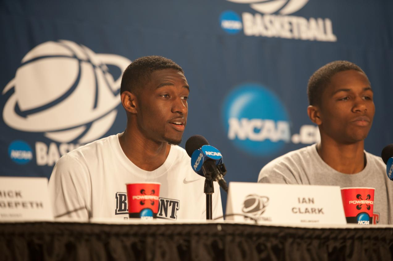 Ian Clark Named Mid-Major Defensive All-American