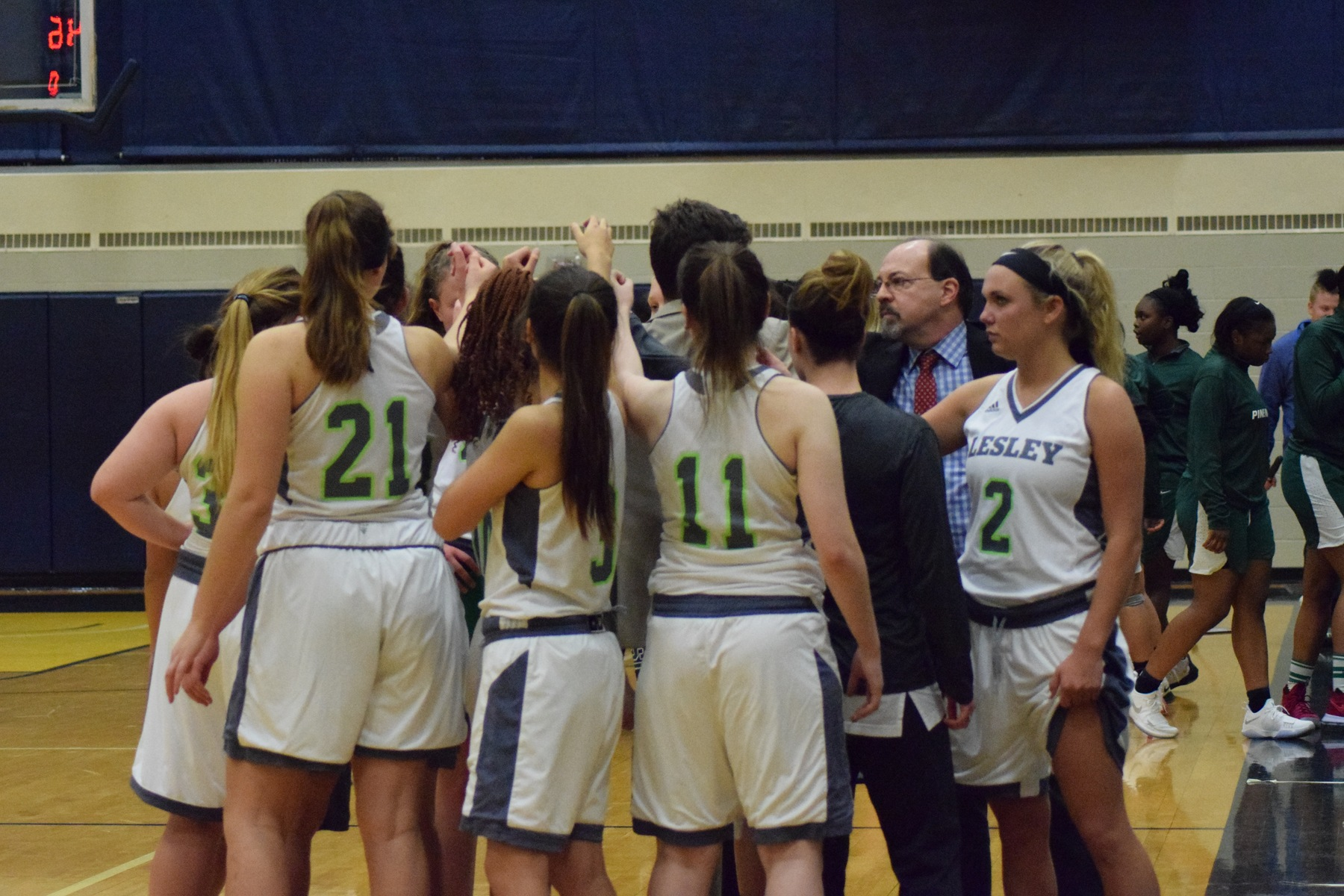 Lynx fall to Pine Manor, 95-62