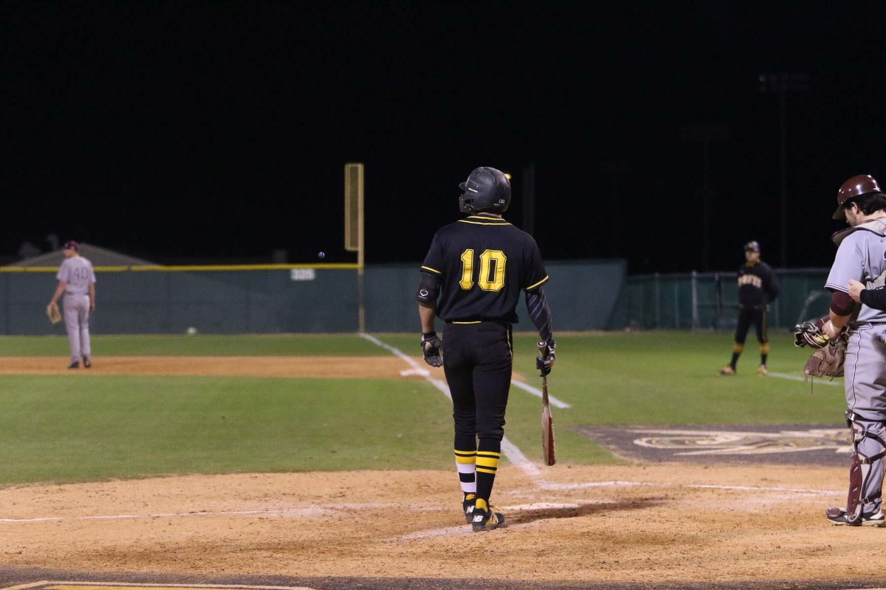 Pirates Surrender Big Sixth Inning in Loss to UT-Dallas