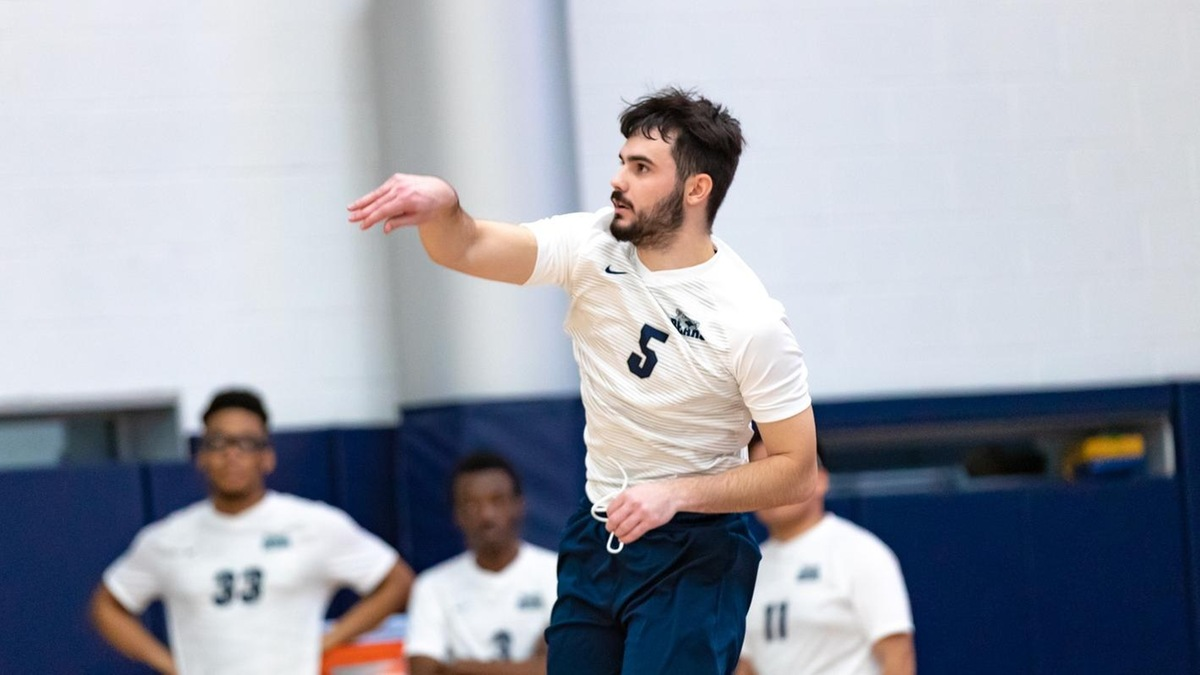 Driscoll's 21 Kills Not Enough for Men's Volleyball at Yeshiva