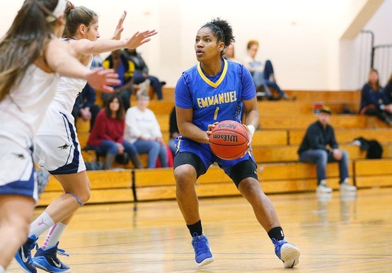 WOMEN'S BASKETBALL COASTS TO 62-34 WIN OVER LASELL