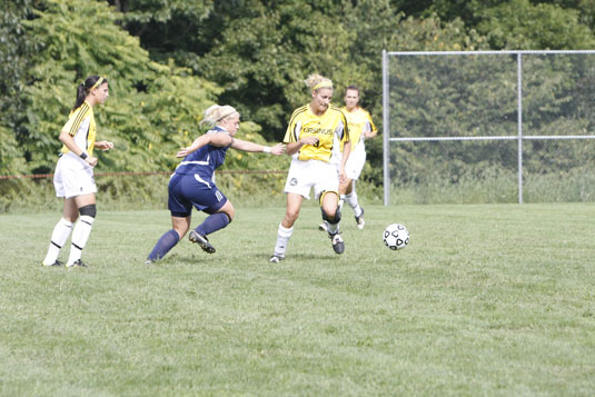 Women's Soccer falls late to Gettysburg, 1-0
