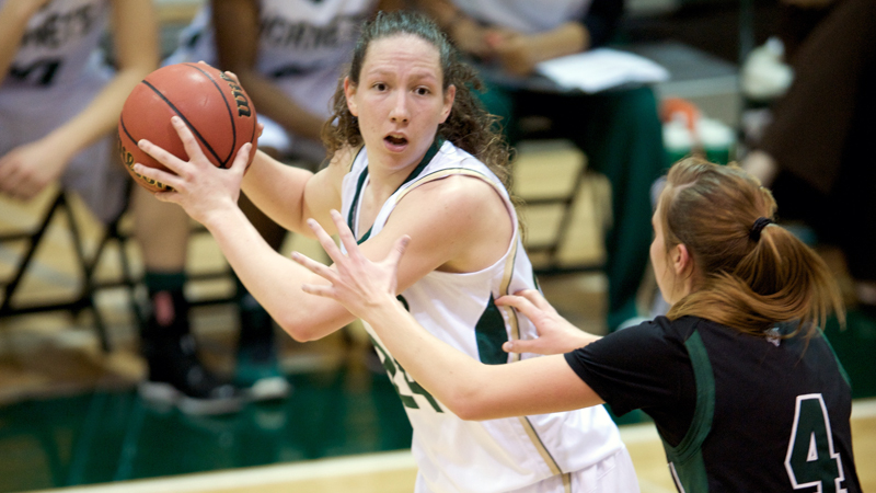 Kuhns Reaches 1,000 Career Rebounds but Women's Basketball Falls at Montana