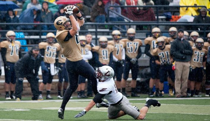 Blugold Football Gets by Pointers with 17 Second-Half Points