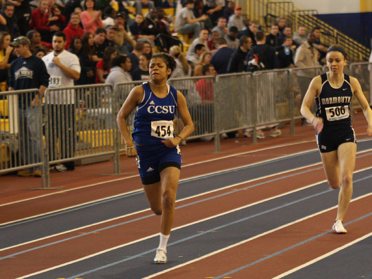 Sanjurjo Leads Blue Devils to Top-10 Finish at Boston Indoor Games
