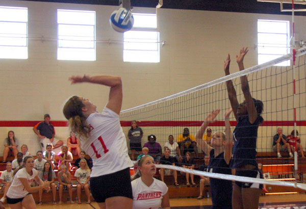 Volleyball: Emmanuel downs Panthers 3-0